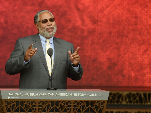 Lonnie Bunch III Becomes First Ever Black Secretary of the Smithsonian Institution