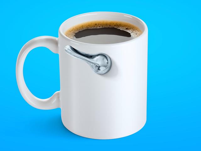 ทำไมกาแฟถึงทำให้เราเซ่อ?  นักวิทยาศาสตร์ให้กาแฟแก่หนูเพื่อค้นหา