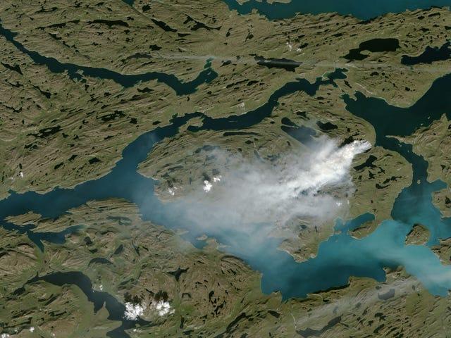 Υπάρχει ένα Freakishly Μεγάλο Πυρκαγιά Πυρκαγιές στη Δυτική Γροιλανδία