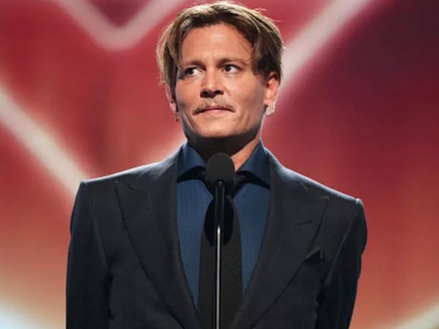 2 Pengawal Keselamatan Bekas Johnny Depp Adakan Suaminya Atas Upah yang Tidak Dibayar