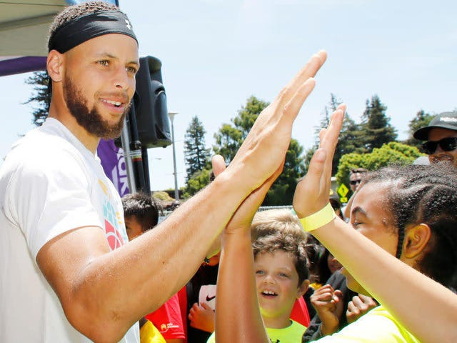 Steph Curry Makes a 7-Figure Gift to Howard University to Bring Golf Back to the HBCU