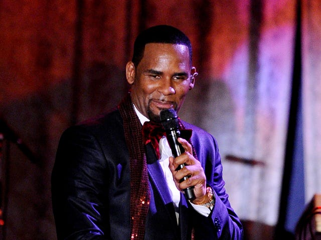 R. Kelly Is Facing Eviction, Hot and Fresh Out the Kitchen