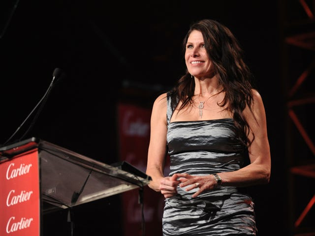 Mary Bono Steps Down As USA Gymnastics President And CEO, Defends Anti-Kaepernick Tweet
