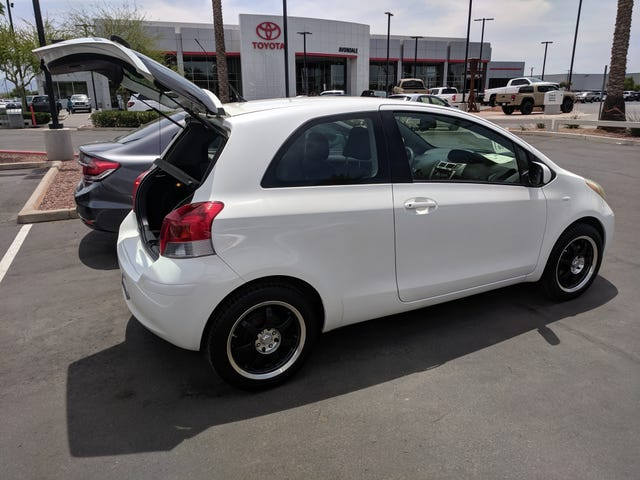 Oppo Quick Take: 2009 Toyota Yaris Manual / 2019 Toyota Corolla Hatch Manual