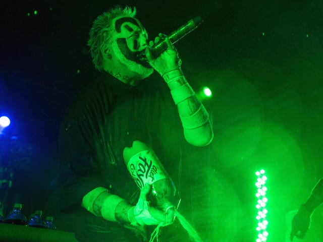 """<a href=""""https://thetakeout.com/detroit-fest-features-juggalos-combo-of-faygo-and-beer-1829789233"""" data-id="""""""" onClick=""""window.ga('send', 'event', 'Permalink page click', 'Permalink page click - post header', 'standard');"""">Whoop whoop: Detroit fest will combine Faygo and beer<em></em></a>"""