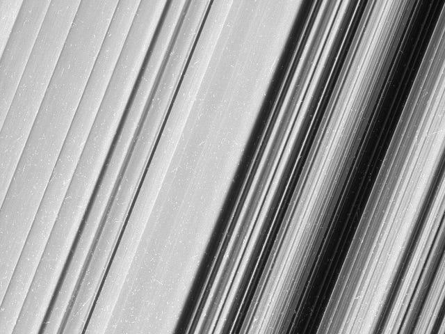 На НАСА з'являються фотографії з Sonda Cassini: події на острові Сатурно tan cerca