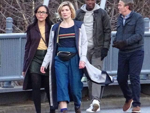 The Doctor wears a Fanny Pack.