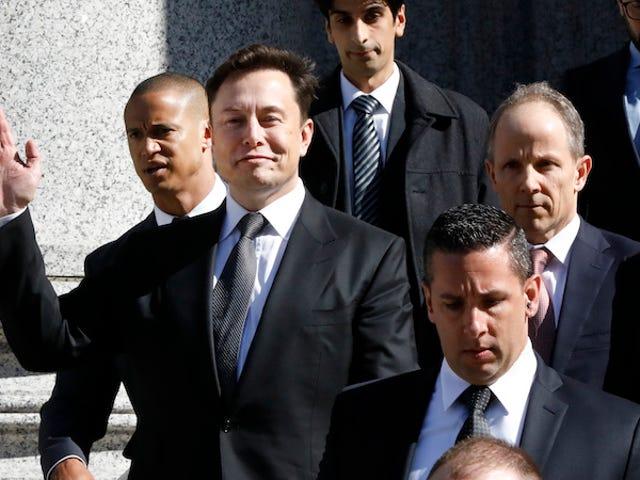 Elon Musk permitterau que sus abogados aprueben sus tuits sobre Tesla
