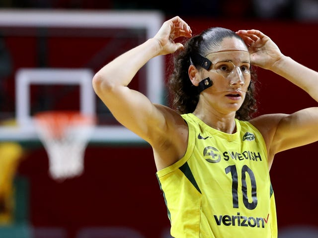 Sue Bird Has A Knee Injury And The Storm Look Totally Screwed