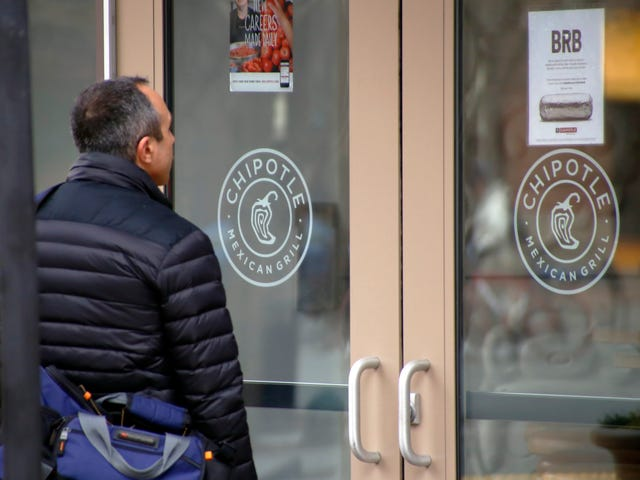 Massachusetts Chipotle Temporarily Shuts Down After Four Employees Get Sick, Yikes