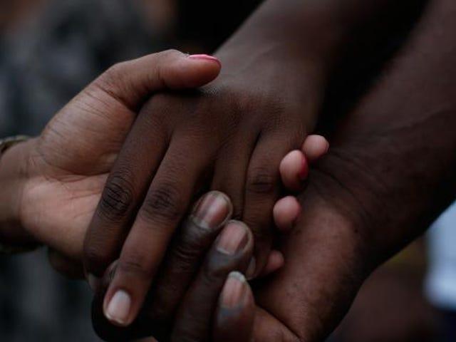 Emanuel AME Pastor Clementa Pinckney blir satt til hvile