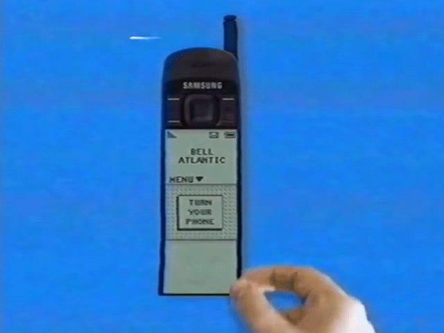 Версия 90-х «Мне бы понравилась эта воображаемая» версия Samsung Galaxy Fold 90-х годов