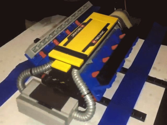 Tonton Beberapa Mesin Lego Rev Sampai Mereka Meledak