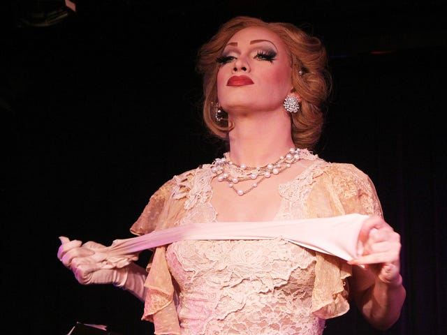 Jinkx Monsoon returns to teach the Drag Race queens a thing or two about Snatch Game