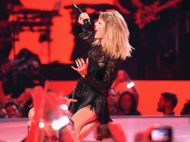 Taylor Swift's advokat sender afskåret brev over blog, der foreslår, at hun er en alt-rigtig sympatiser