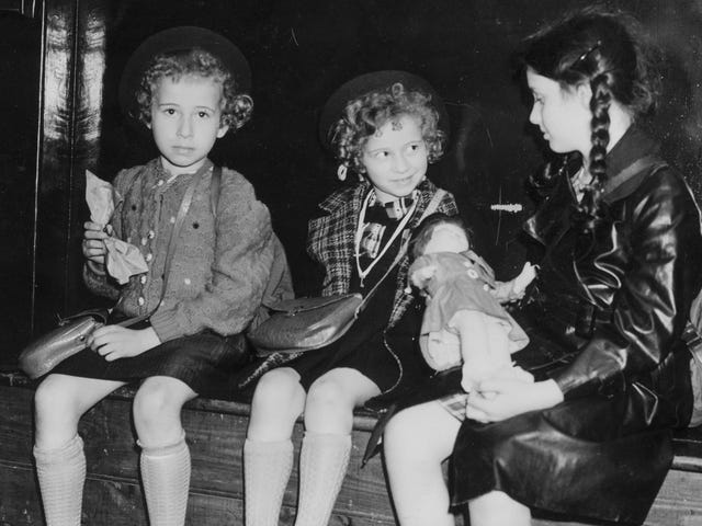 Спогад про Kindertransport, 80 років