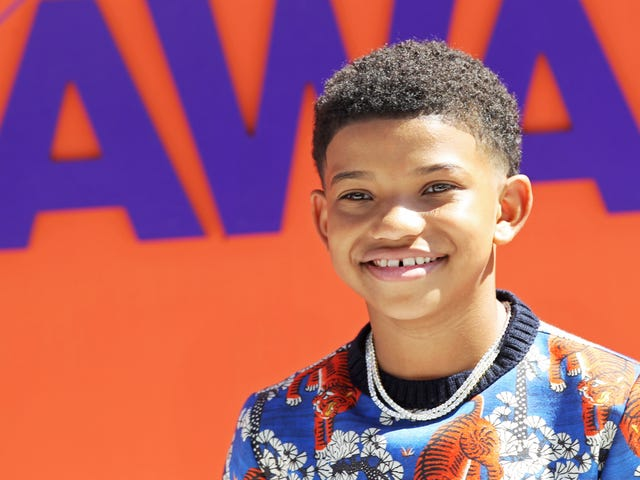 This Is Us Star Lonnie Chavis Claps Back at Trolls Who Made Fun of the Gap in His Teeth