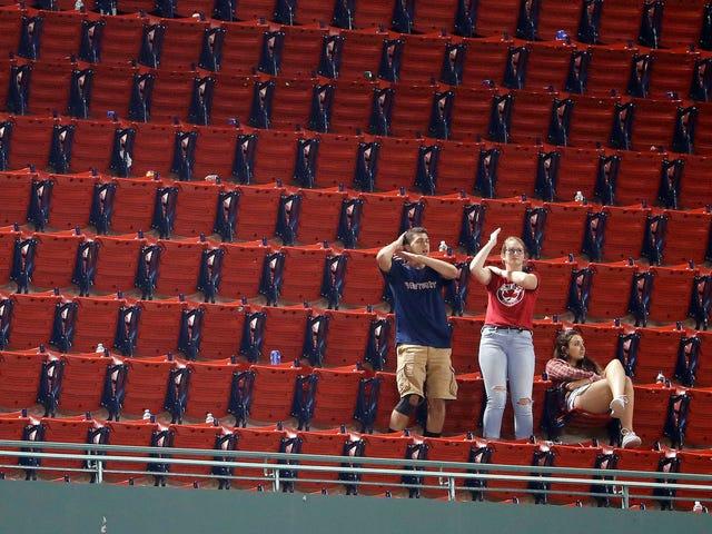 Red Sox Outlast Μπλε Jays Με Hanley Ramírez Walk-Off Στο Brutal 19-Inning Slog