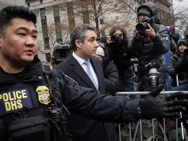 Trump Accomplice Michael Cohen bị kết án 3 năm tù