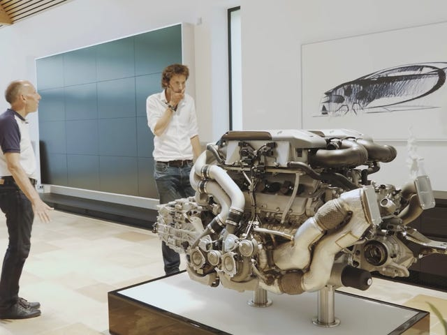 The Bugatti Chiron's Engine Alone Weighs Almost 1,000 Pounds
