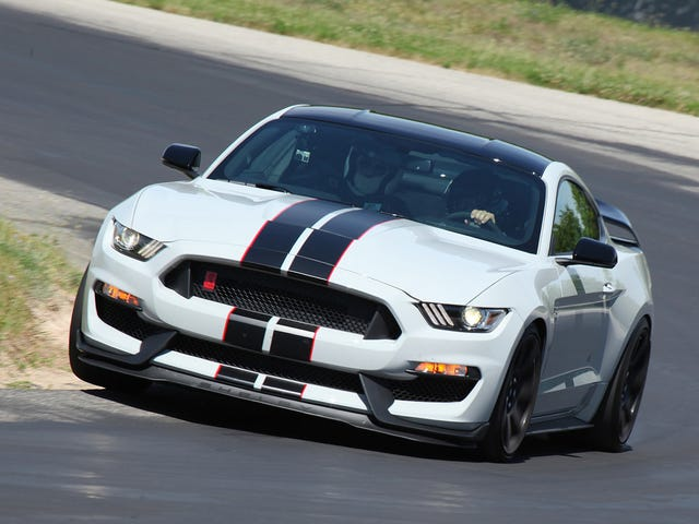 Everything I Learned Driving a Ford Shelby GT350R for 20 Minutes