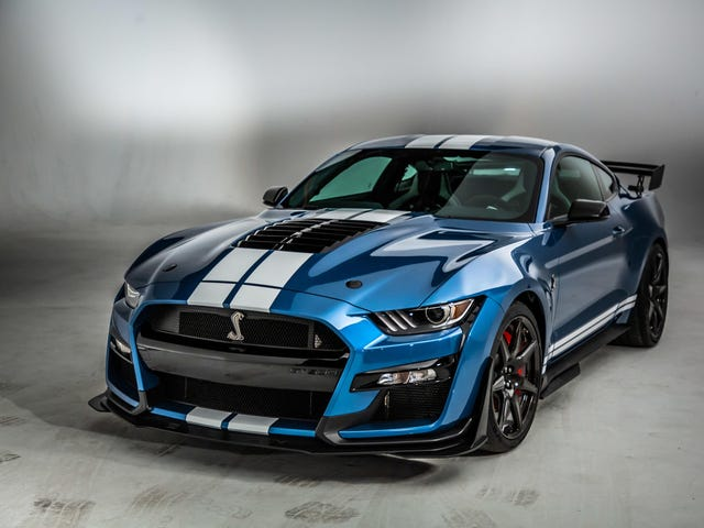 What if we body-color the bumper of the 2020 Shelby GT500?