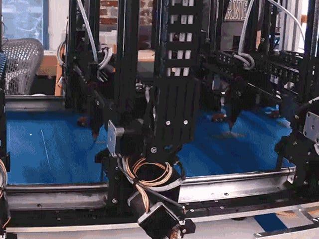 巨型多头3D打印机可以一次创建大量对象