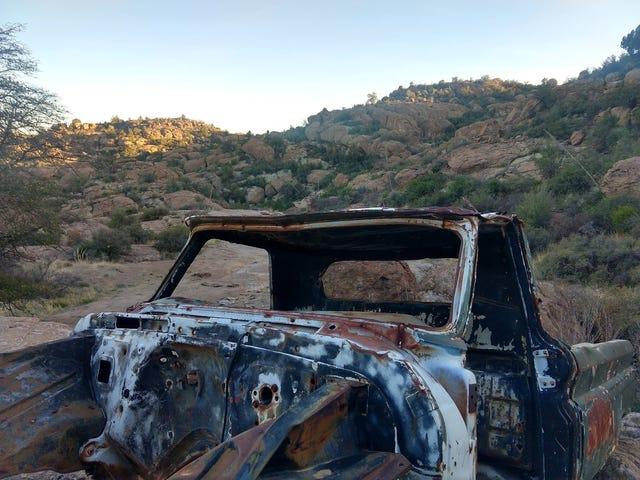ロッククローリングRV:Hackberry Creek Trail、AZ
