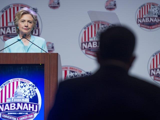 Πώς Τόσο οι Hillary Clinton όσο και οι Μαύροι και οι Λατίνοι Δημοσιογράφοι σημάδεψαν την μεγάλη τους βολή