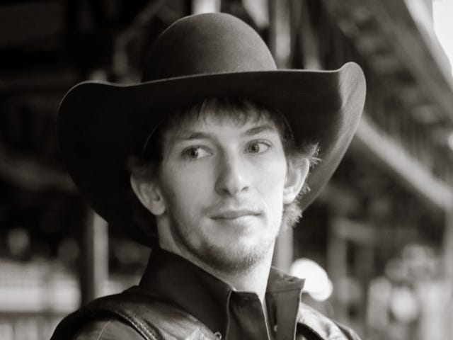 Pro Bull Rider Mason Lowe Dies In Competition