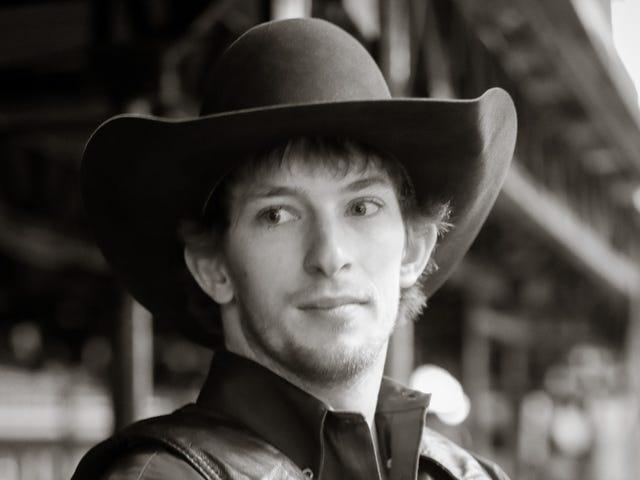Pro Bull Rider Mason Lowe stirbt im Wettbewerb