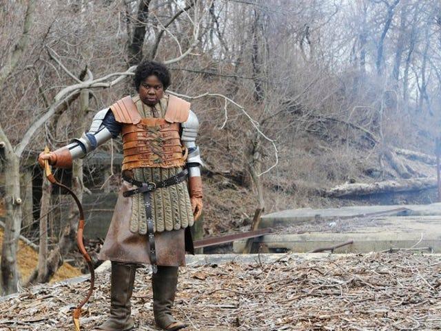 Ο Seth Meyers και ο Leslie Jones διαλέγουν το Game Of Thrones , βγαίνουν μαζί με τον Varys