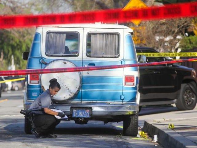 Członkowie KKK zaangażowani w Kalifornii Bójka działała w samoobronie, powiedzmy policja