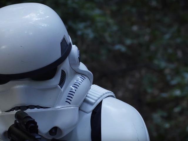 Denne uhyggelige Star Wars-fanfilm viser situationen for en ensom stormtrooper efter slaget ved Endor