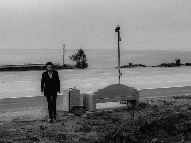 En Ghosteen, Nick Cave nos invita a su brillante abismo.