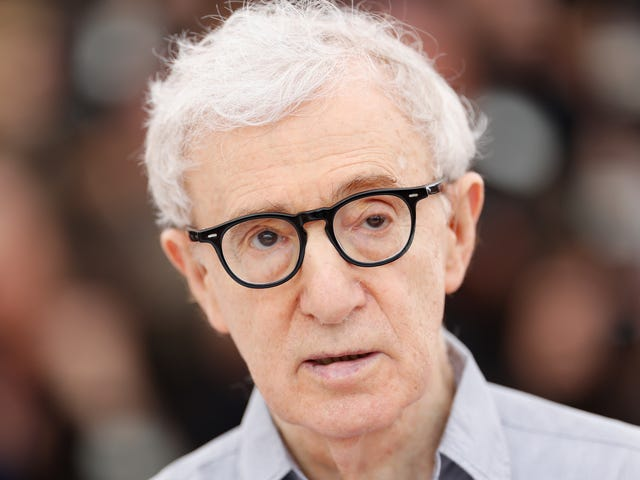 """<a href=""""https://news.avclub.com/amazon-says-woody-allen-sabotaged-them-with-his-meto-1833847972"""" data-id="""""""" onClick=""""window.ga('send', 'event', 'Permalink page click', 'Permalink page click - post header', 'standard');"""">Amazon says Woody Allen &quot;sabotaged&quot; them with his #MeToo remarks, not by being Woody Allen</a>"""