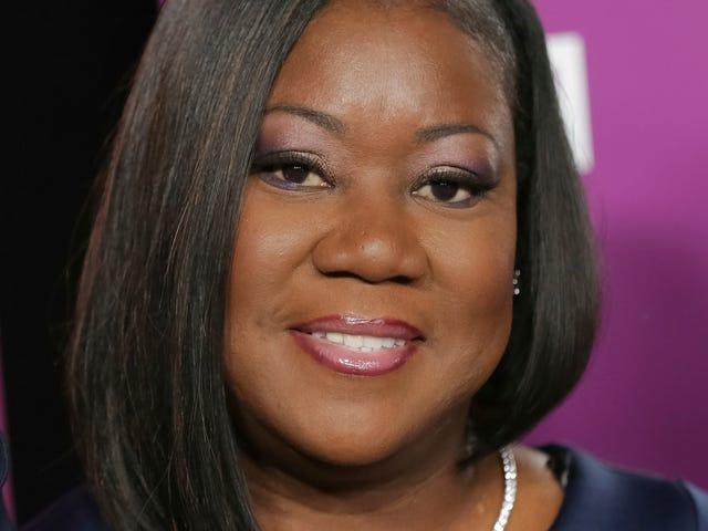 Η μητέρα του Trayvon Martin λαμβάνει επίτιμο διδακτορικό από το Benedict College