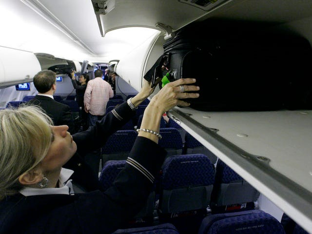 NewAmerican Airlines Fare Doesn't Let You Bring Overhead Baggage