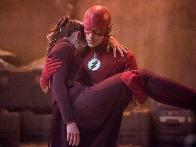 A fast and furious hour of The Flash is all about family