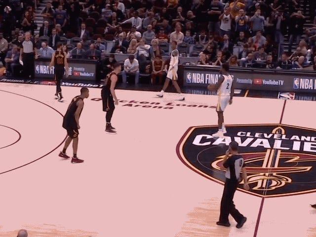Kami Kini Hidup Di Dunia Di mana Nick Young Adalah Juara NBA