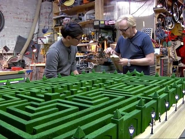 Mythbusters 'Adam Savage genskabte omhyggeligt The Shining's labyrint