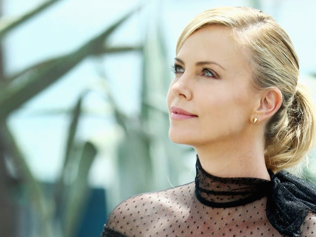 Charlize Theron Went On Such a Good Date a Month Ago, Like, You Don't Even Know