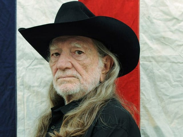 Willie Nelson, Robin Wright talk Texas kitchens on Fugitive Waves
