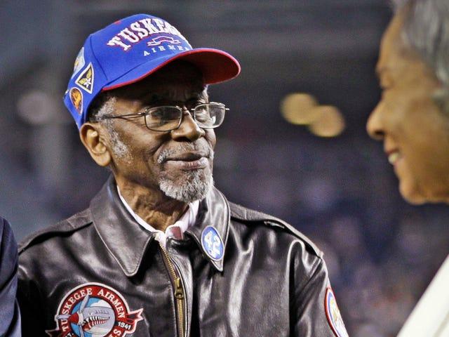 Wilfred DeFour, 100 Yaşındaki Tuskegee Havacı, Ölür
