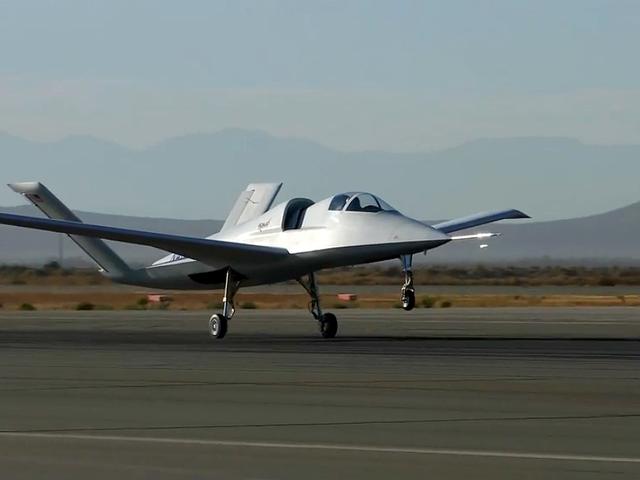 Este extraño caza experimental avistado en el desierto de Mojave podría ser el reemplazo del mítico A-10 Warthog