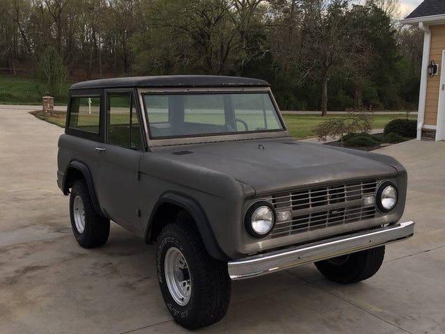 På 15 000 dollar kan denna Ford Bronco från 1966 vara ett stort utbud?