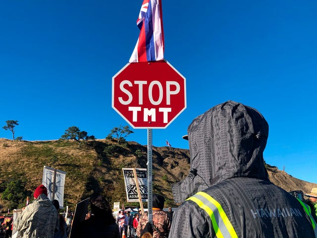 Hundreds of Protestors Block Work Crews Ahead of Thirty Meter Telescope Construction in Hawaii