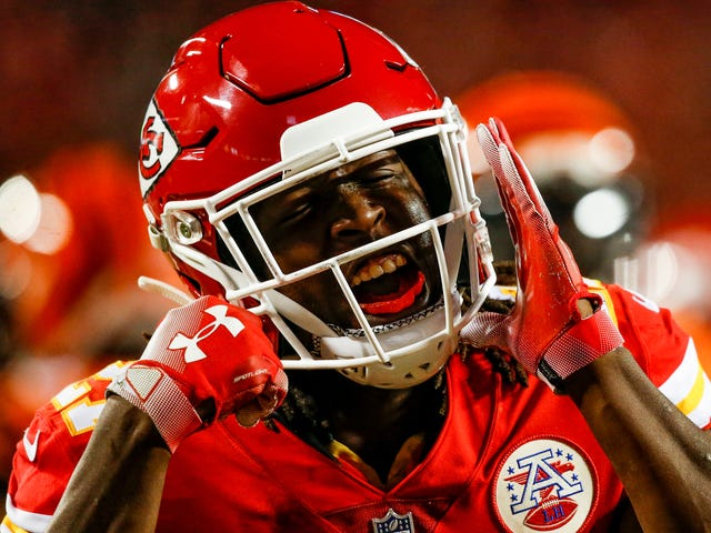 NFL Suspends Running Back Kareem Hunt 8 Games for Hitting Woman; Colin Kaepernick Still Doesn't Have a Job