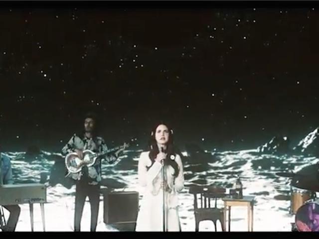 Lana Del Rey Bir Uzay Seyahat Lounge Müzik Şarkıcısı Video 'Aşk'