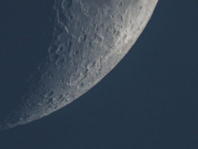 Un aficionado graba este espectacular vídeo de la ISS pasando por delante de la Luna